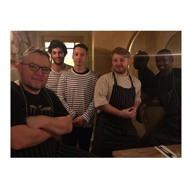 DREAM TEAM . . Mais Oui! Here's to our team (minus a couple as it's so hard to get a photo of everyone together). Un grand grand Merci to our Bonne Bouffe team who have worked so hard over the Christmas period... even Chef Martin looks like he is enjoying himself ;) Merci Beaucoup! #teamwork #bonnebouffe #merci #eastdulwich #givingthanks
