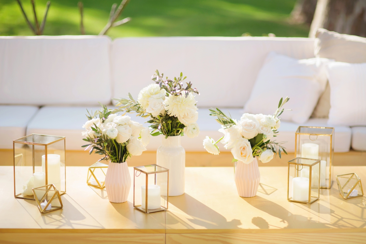 Bride-and-groom-store-lounge-hire-19