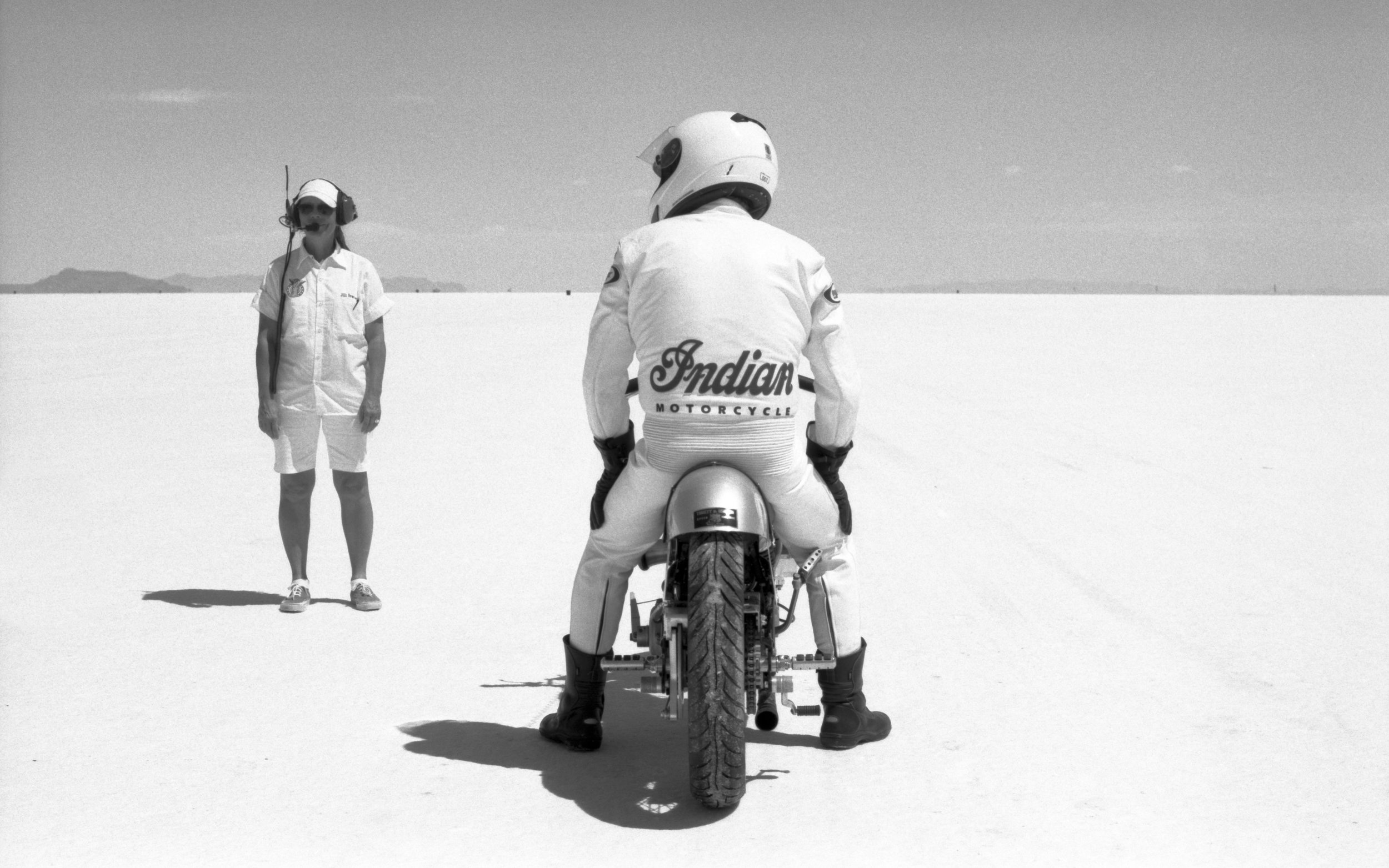 5 - Indian Motorcycle on the starting line, Bonneville Speed Week Festival, Utah _resultat.jpg