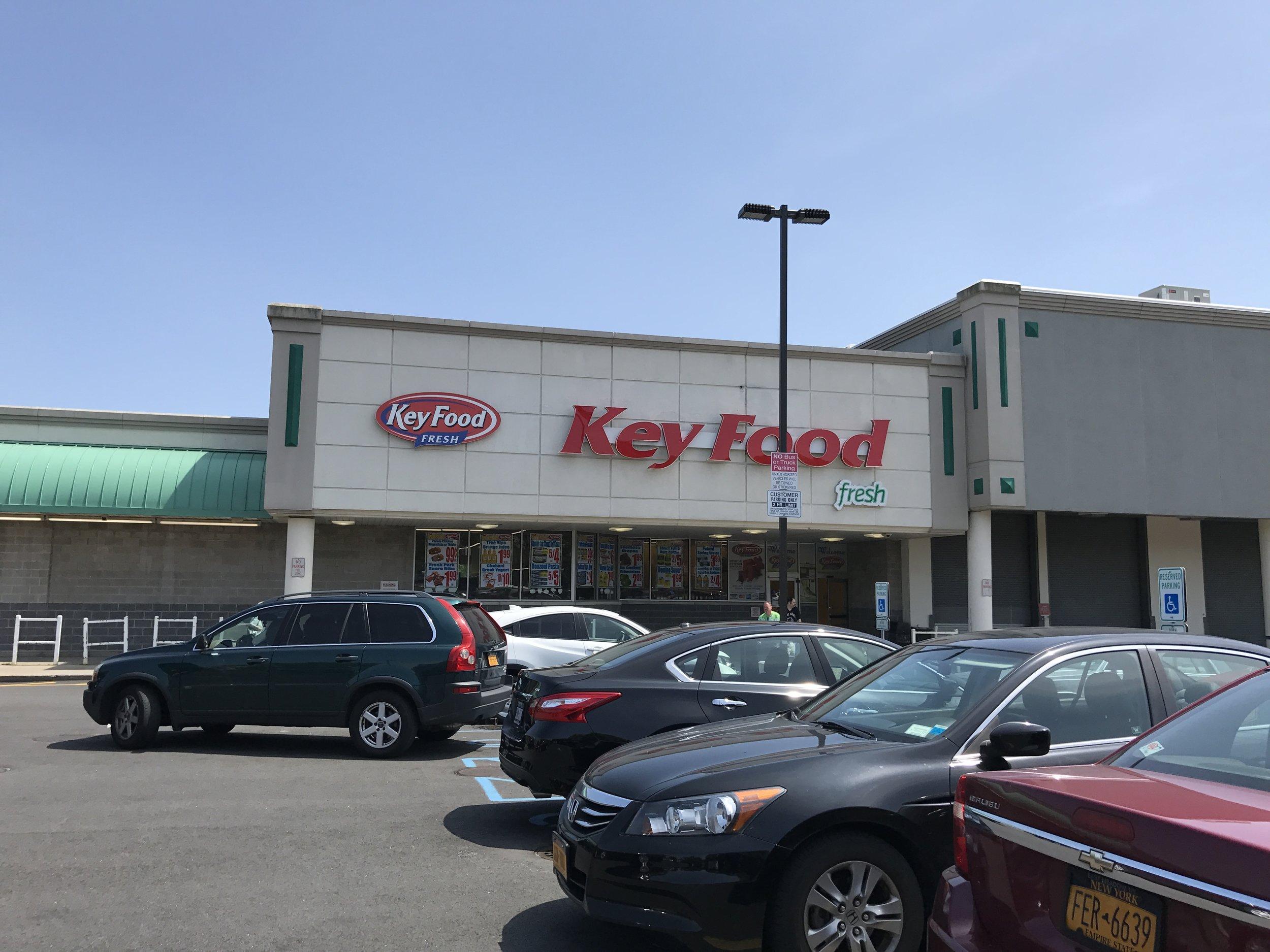 259-01 Union Tpke, Glen Oaks, NY 11004