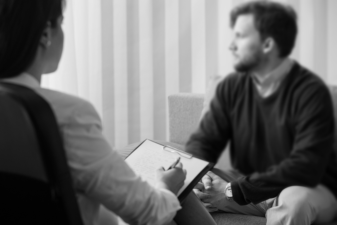 iStock-512885370-counseling-blurred.jpg