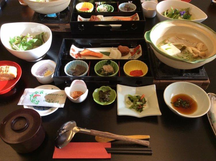 Ryokanin  aamiais kattaus.