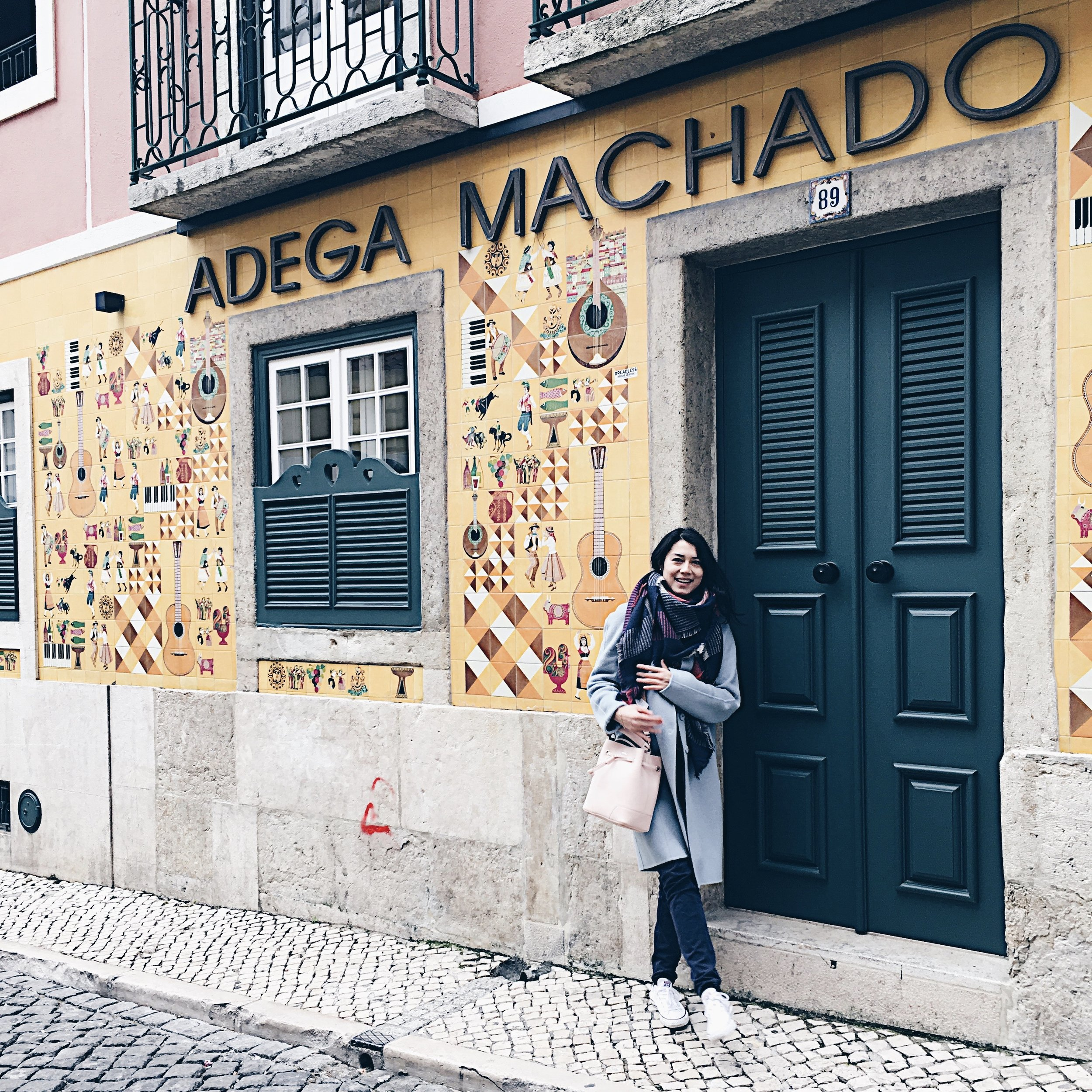 While strolling though Bairro Alto I passed this Fado-place where Amalia Rodrigues used to sing too.