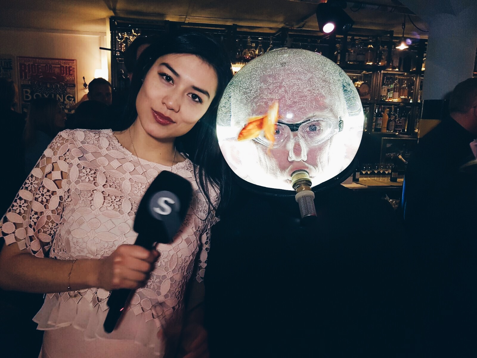 An der Eröffnung der Widder Garage für die Lifestyle-Sendung Spotlight auf TELE Züri.