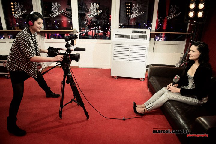 In action as multimedia journalist at «The Voice of Switzerland» Season 1. Photo: Marcel Sauder