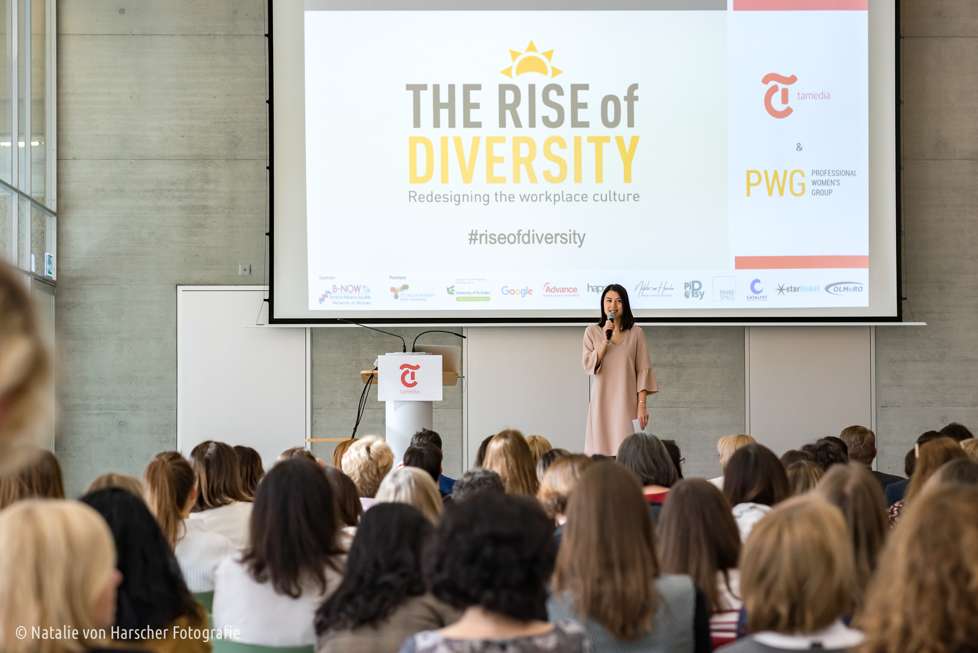 Moderating the  PWG Conference «The Rise of Diversity»  at Tamedia, 29 March 19. Photo:  Natalie von Harscher