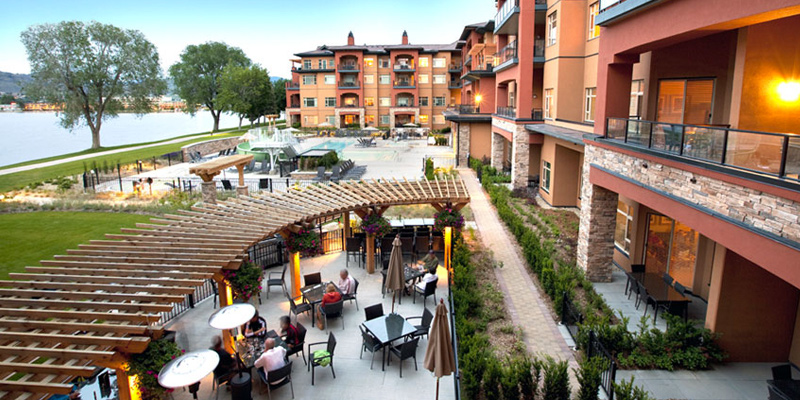 restaurant-at-watermark-osoyoos-okanagan-valley-vagabonds