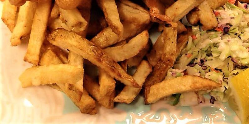 cozy-bay-fish-and-chips-summerland-okanagan-valley-vagabonds
