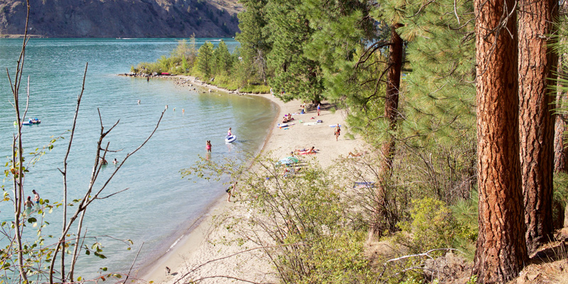 jade-bay-beach-juniper-bay-beach-okanagan-valley-vagabonds
