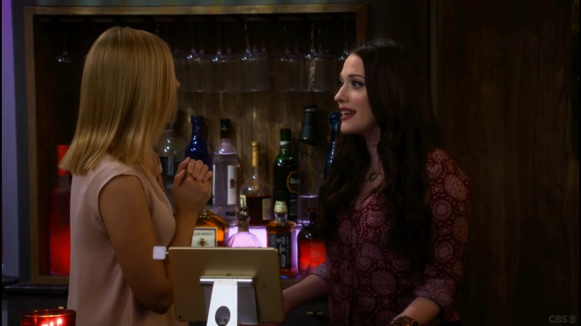 Square • Two Broke Girls