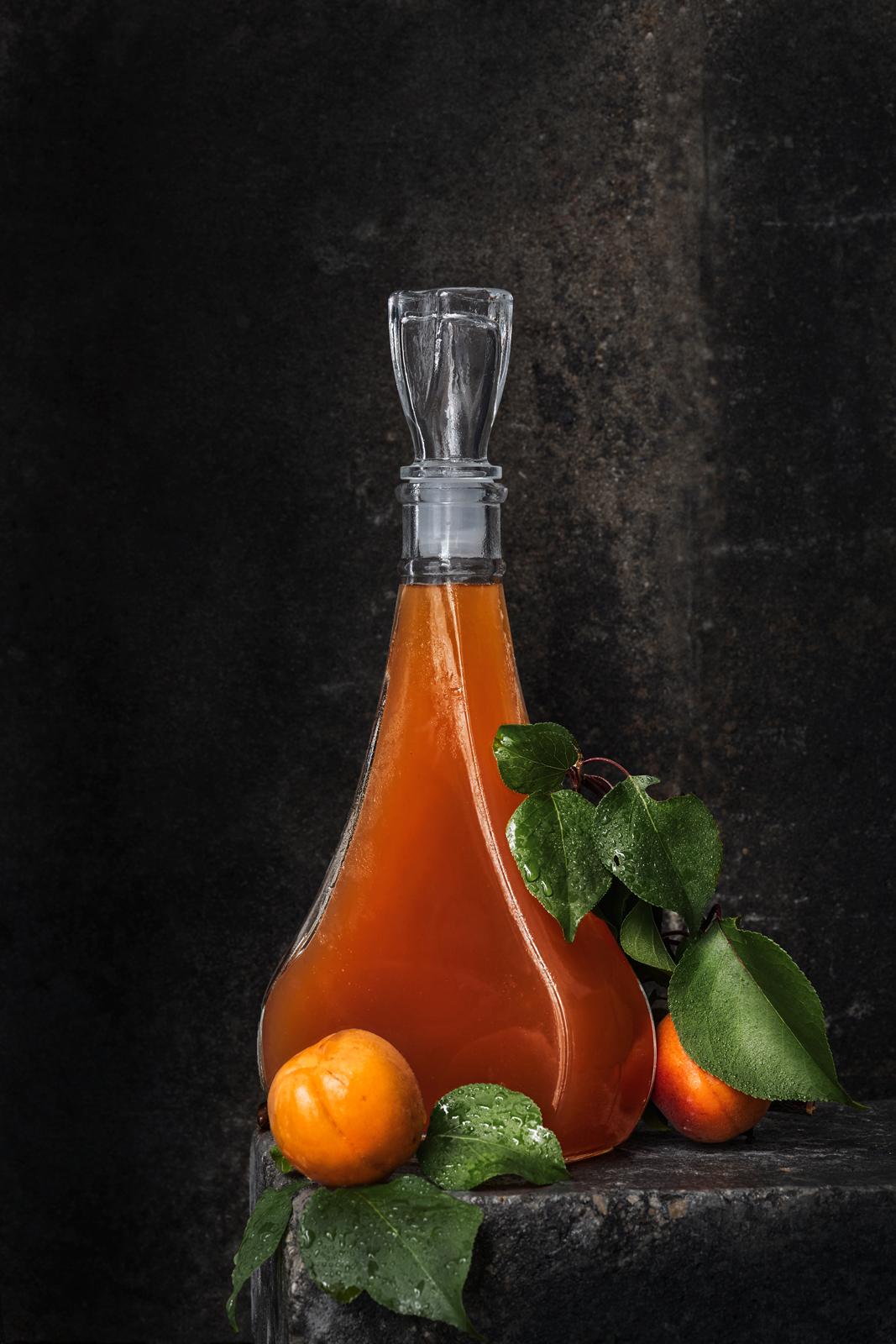 152_ROCHELT_STILLLIFE_ABRICOT_Bottle.jpg
