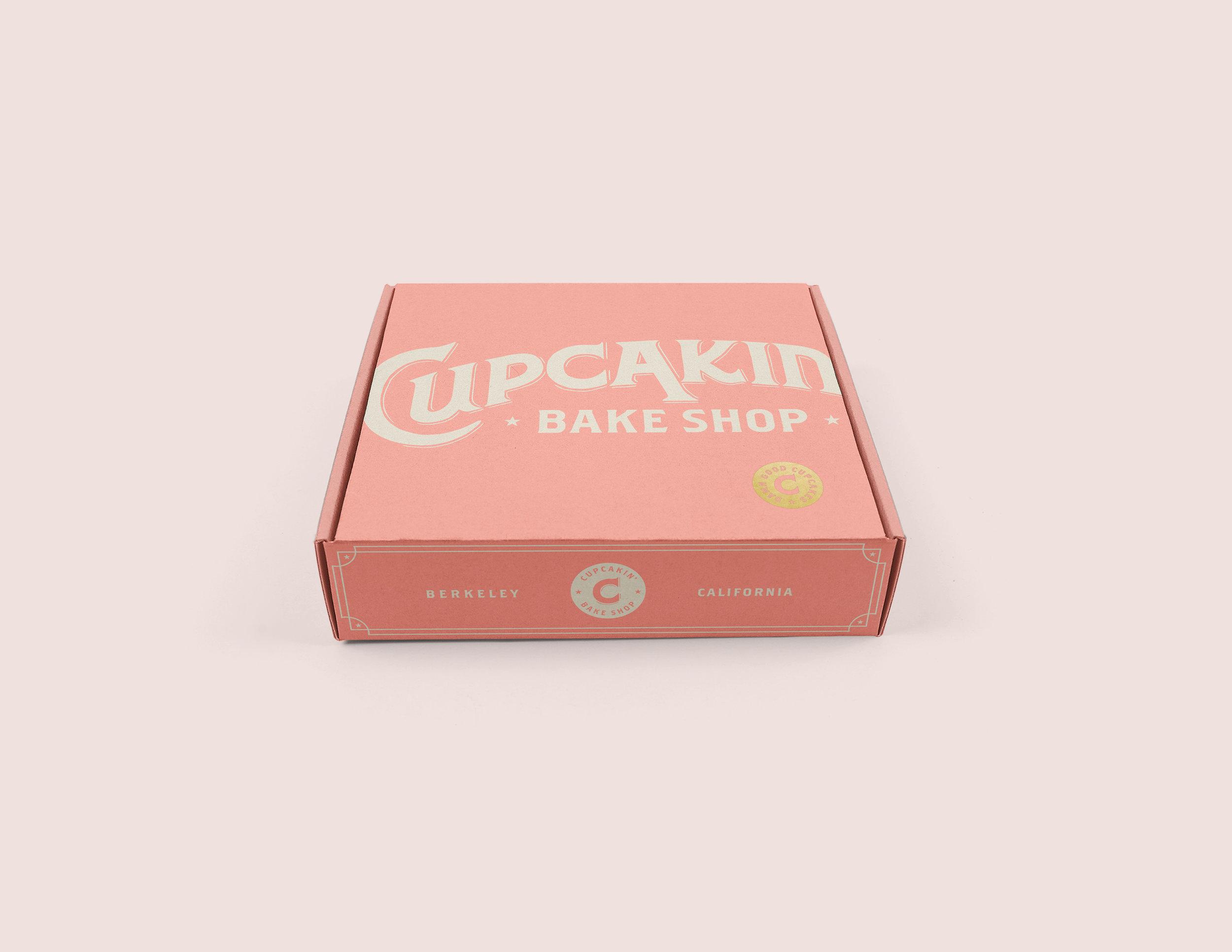 LO.008.CupcakinBox.Mockup.04a.jpg
