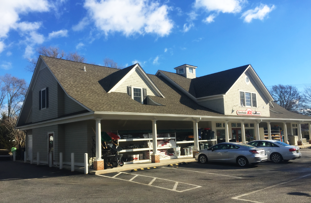 Southold Hardware Store 2017-01-03-10.png