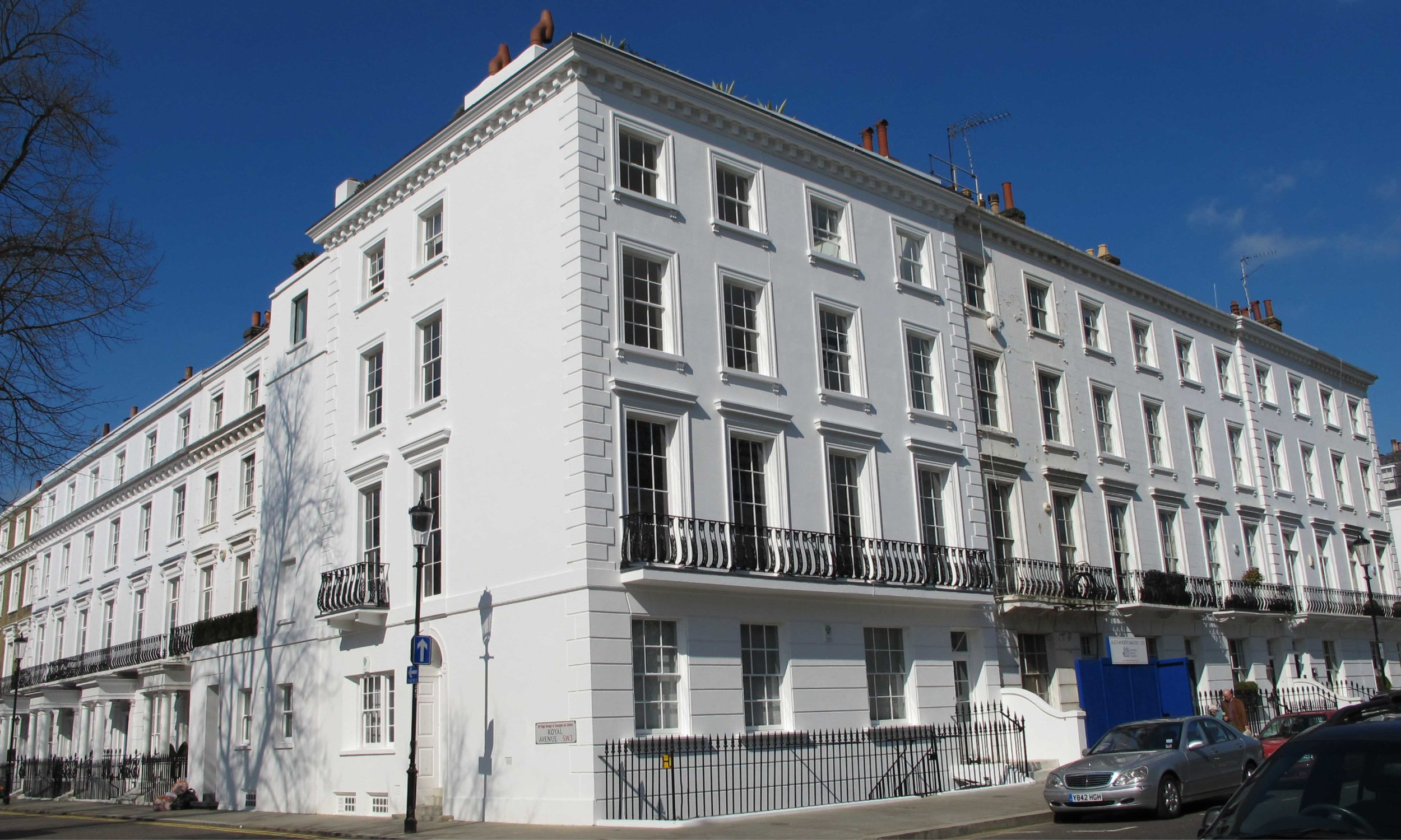 Located just off the Kings Road, Royal Avenue is the Grad I listed home of Lord and Lady Rogers of RIverside. Stuart Forbes Associates have refurbished the residence..