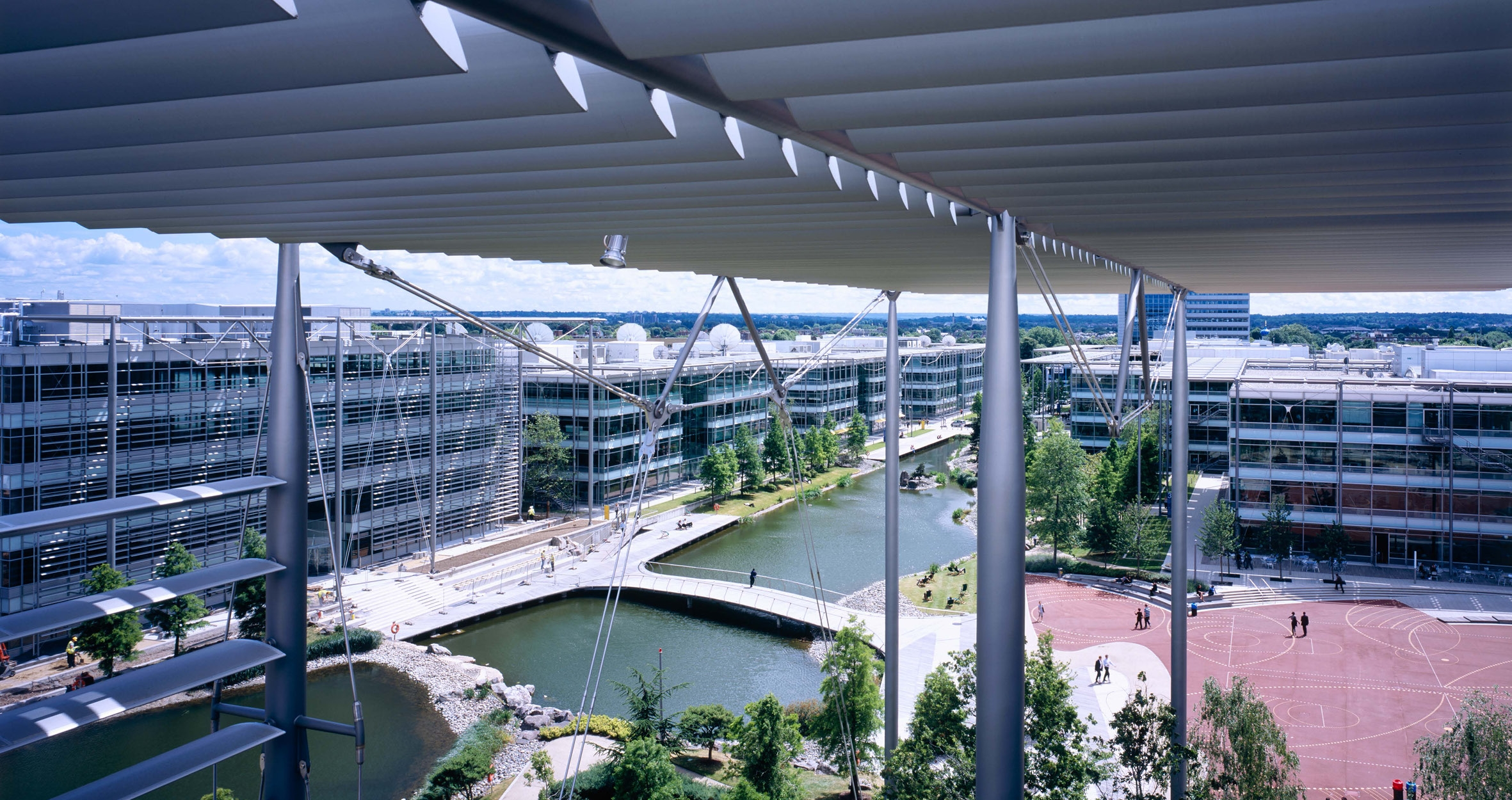 Whilst at Rogers Stirk Harbour + Partners, Neil Southard a project lead for the masterplan and buildings constructed at the Chiswick Park business park