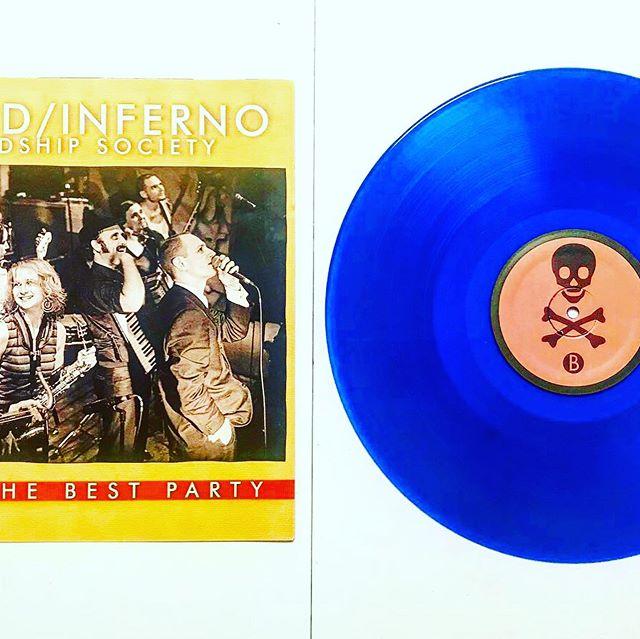 Freshly pressed blue vinyl for World / Inferno Friendship Society #sunpressvinyl #worldinfernofriendshipsociety  #justthebestparty #freshpressedvinyl #vinylrecords #vinylpressing #bluevinyl