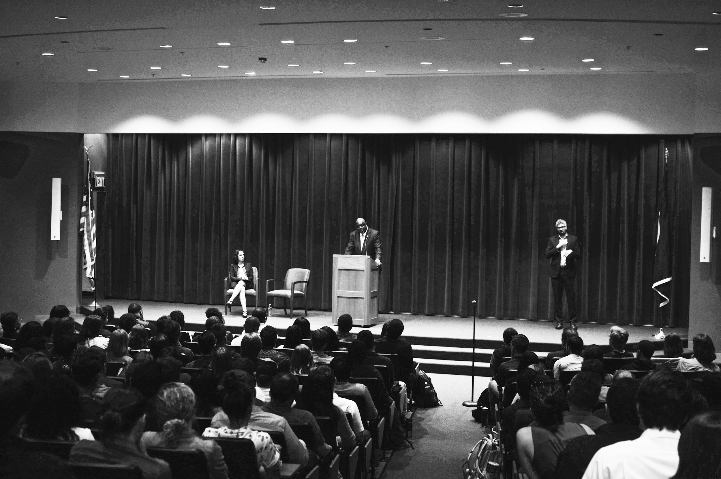 Judge Carlton Reeves '89 speaks to a full auditorium about maintaining the integrity of the judiciary. Photo credit Kolleen Gladden '21.