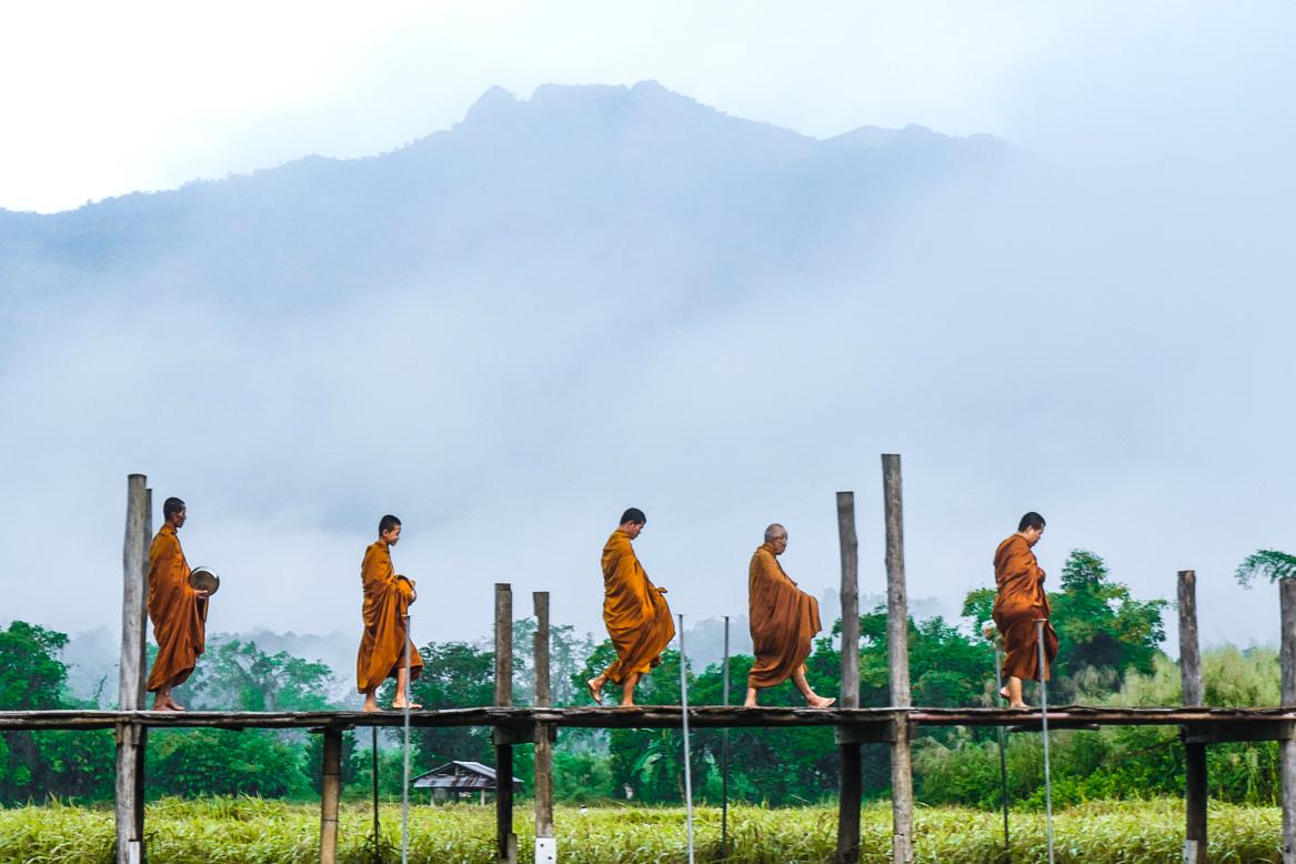 2012 - Thailand Monks