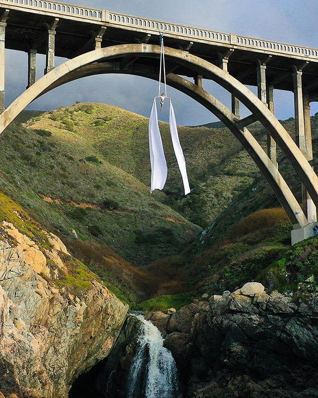 💗 #aerialsilks #aerialyoga #aerialartist #aerials #circus #cirquedusoleil #photography #photoshoot #dji #drone #dronephotography #sunset #bigsur #california #circusarts #movement www.proflowphoto.com #circusaroundtheworld #vanlife #projectflowmance