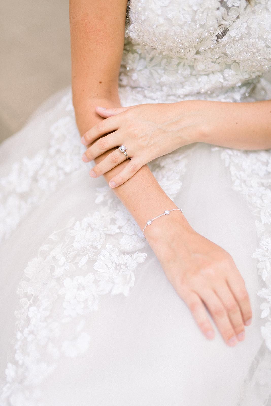 Cairnwood Estates wedding details25.jpg