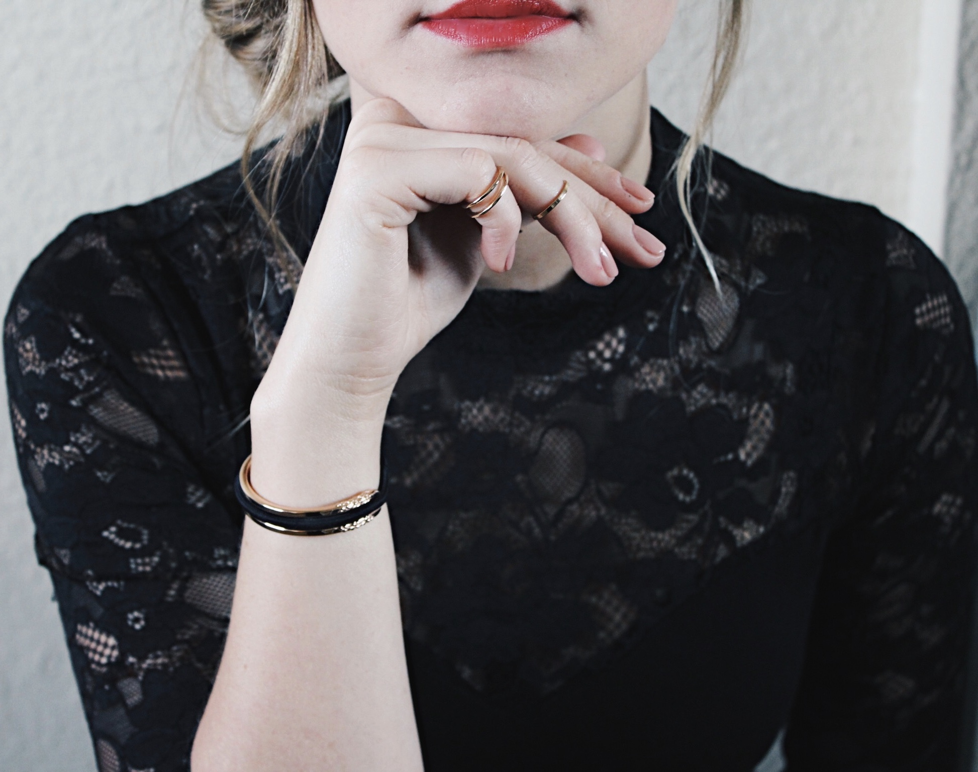 Red Lips & Maria Shireen Gold HairTie Bracelet