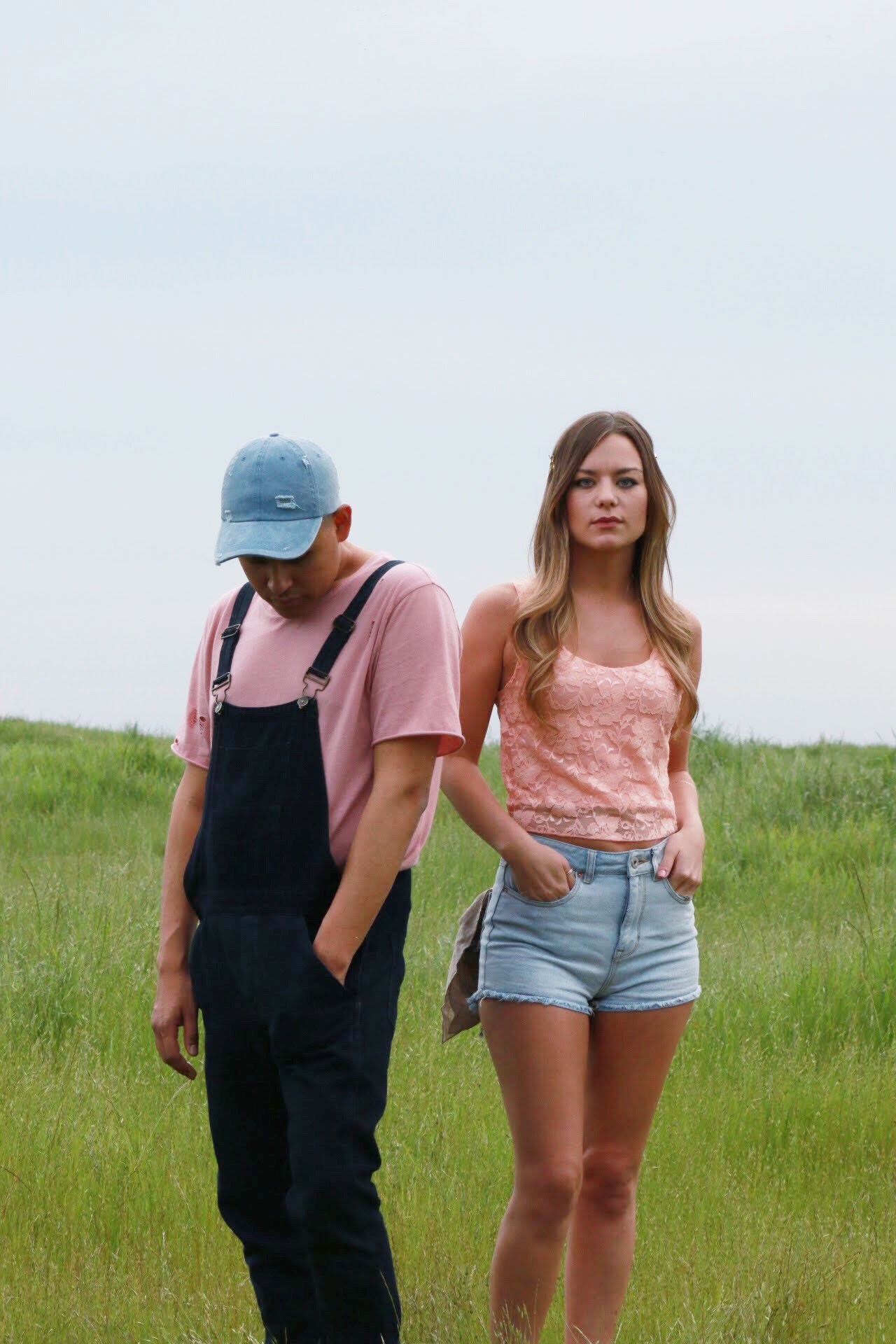 Pops of Denim and Pastel Colors for Festival Fashion