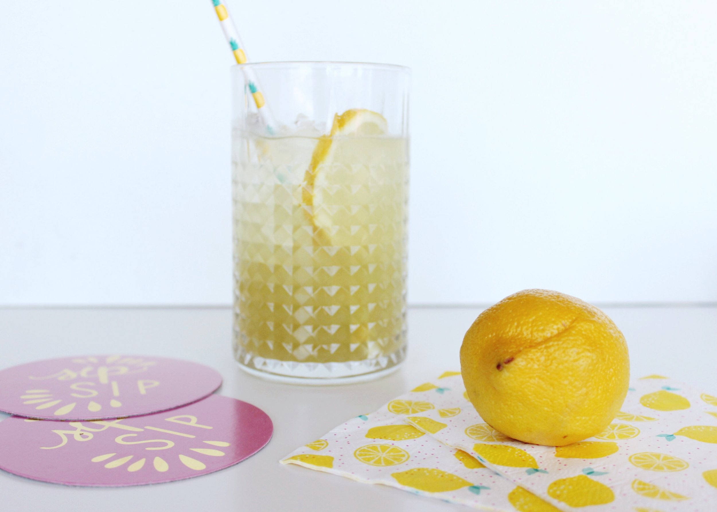 Fresh Lemon / Cocktail / Summer Drink / Pink Coasters