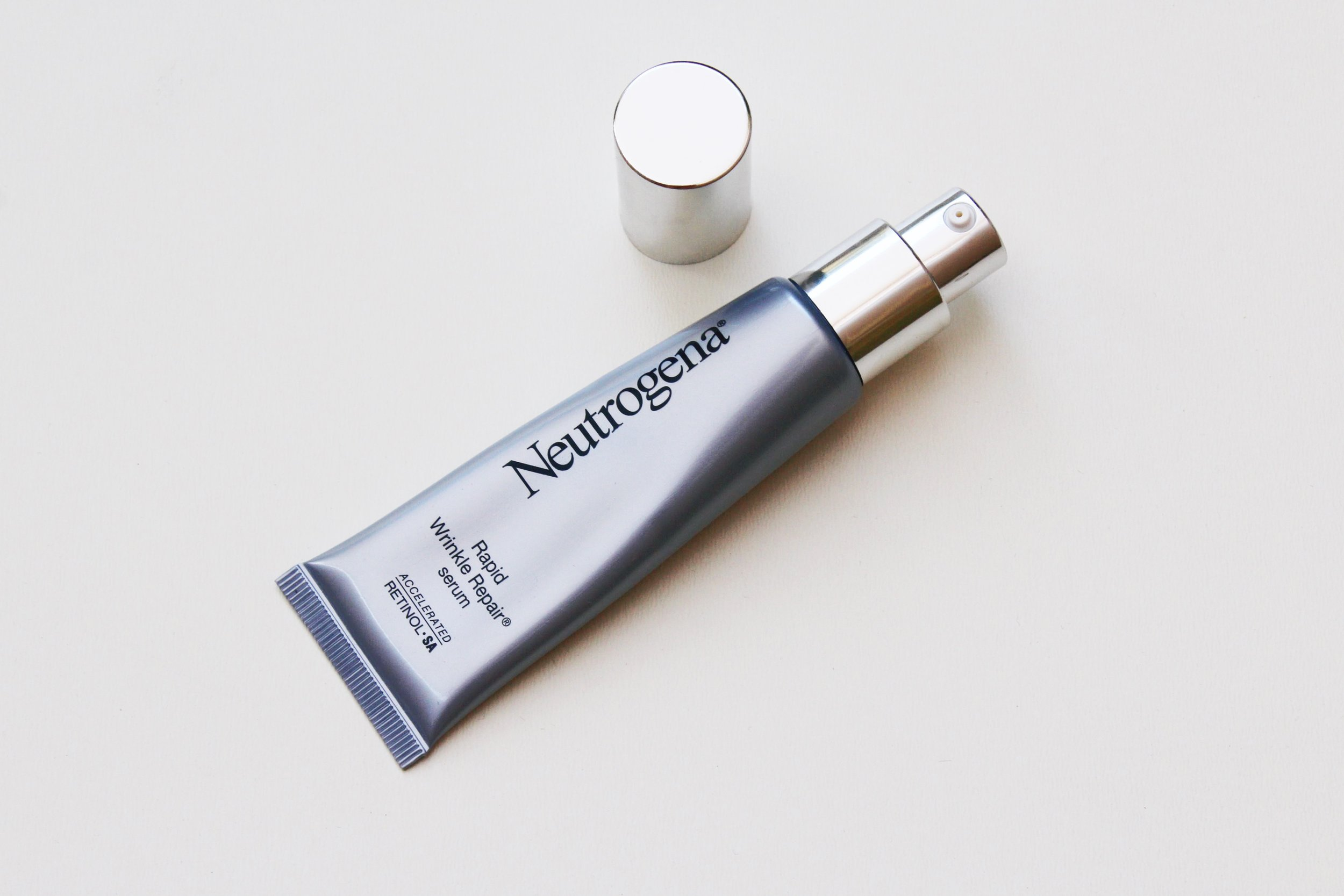 Neutrogena Rapid Wrinkle Repair Serum with pump applicator