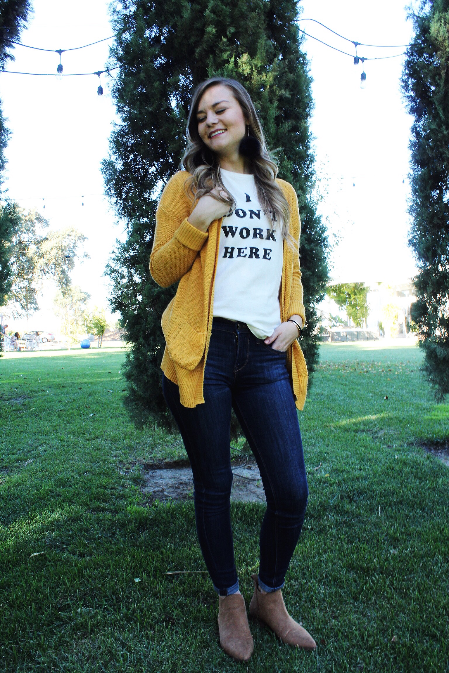 Fall Outfit Bando Graphic Tee shirt mustard yellow cardigan