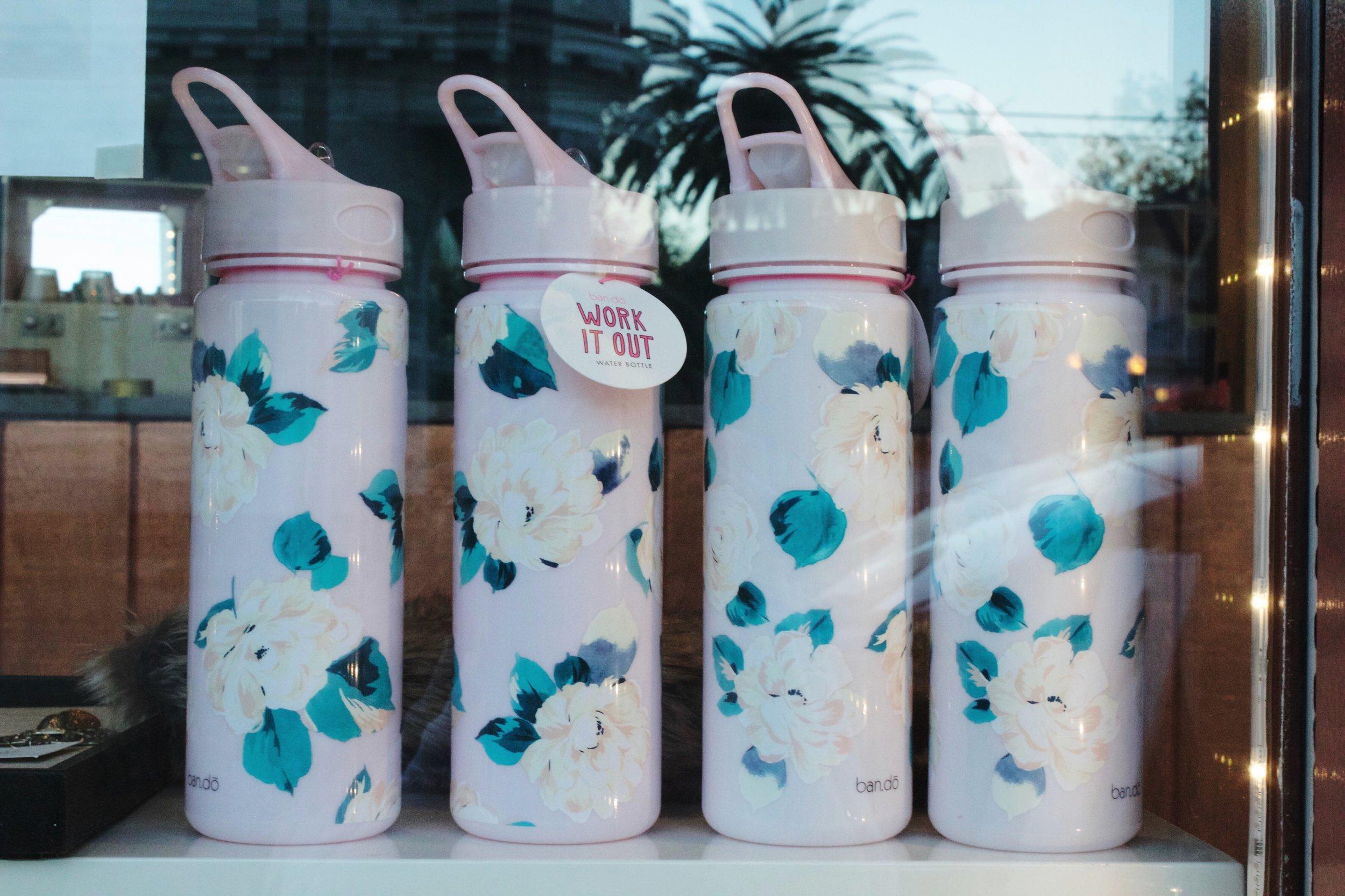 Bands Water bottles DAMAS Oak Park California