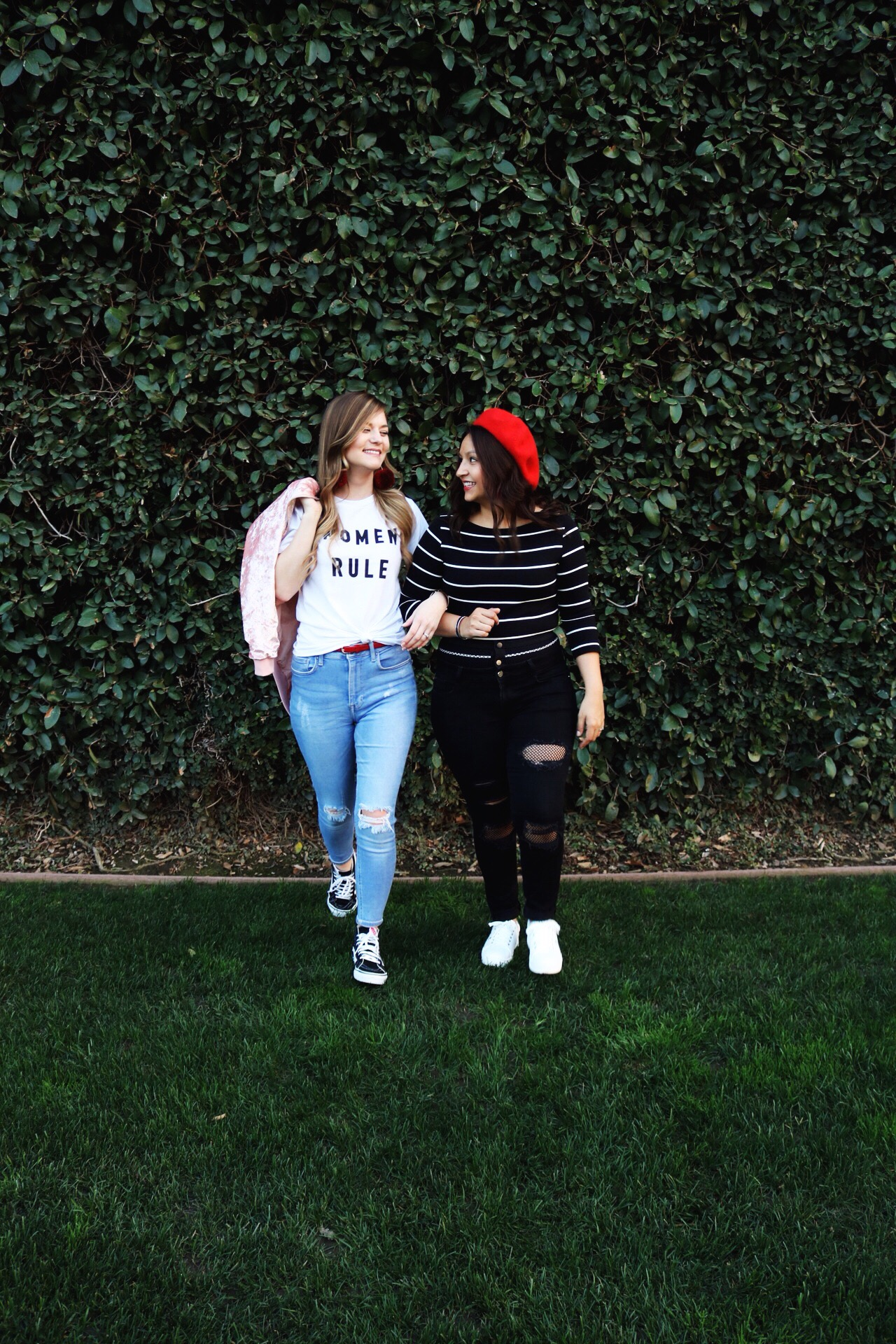Forever 21 Women Rule Tee, red beret, black fish net denim, light distressed denim, Galentines Day
