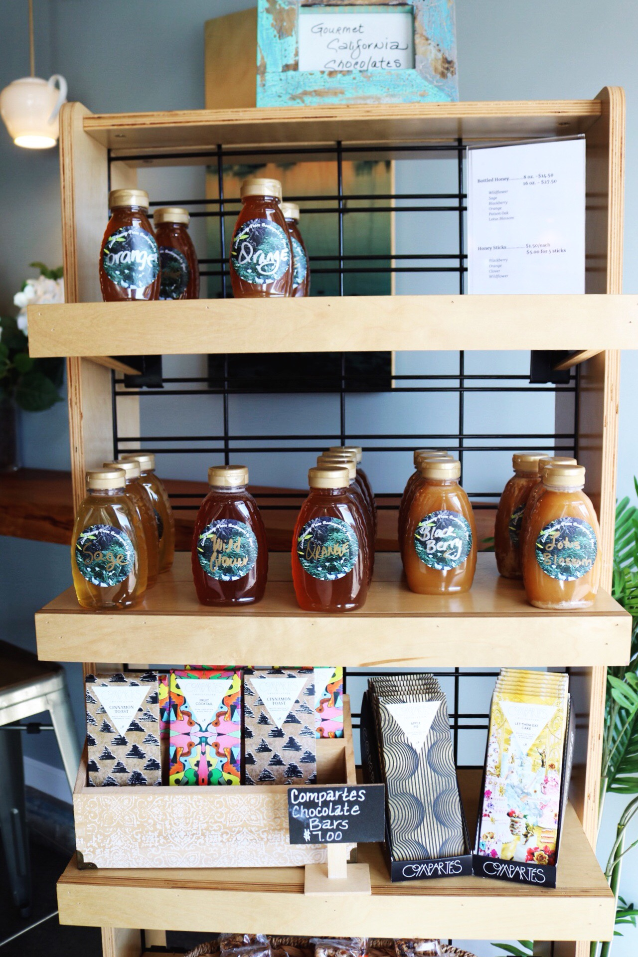Water & Leaves Coffee and Tea Monterey Beach Honey Compartes Chocolate