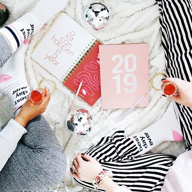 The best day ever is the one where you can leave an entire year behind and start a new one! • We're not gals who make resolutions because most resolutions are forgotten by February. That's just not how we roll. 2018 was filled with trying new things every month and we had a blast! We also learned a lot about giving ourselves a break if we couldn't complete the full 30 days 😋😋 • We want to head into 2019 with new mindsets. So here's our new outlook on life for the new year. We're going to focus more on the things we can accomplish instead of spending wasted energy on things we have no control over and come up with solutions to the things we want to change then follow through! •  What's your #mindset for the New Year?! Maybe you don't have one and instead have a resolution. Either way we want to hear about it in the comments down below! ⬇️ #2019 #livinglively #bestdayever #goals #cheerstothenew  xoxo  S&A