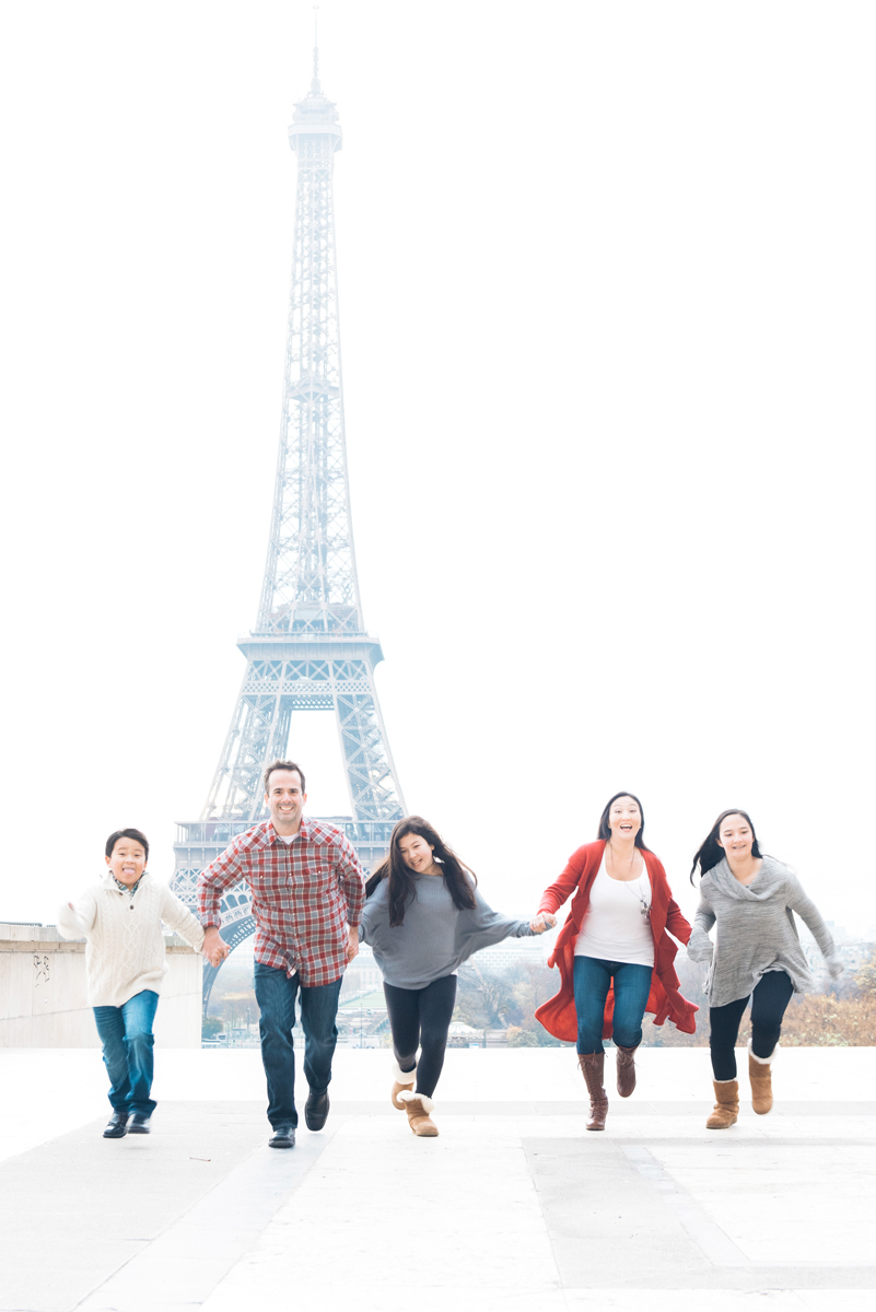 Paris photographer - Family fun at the Eiffel tower
