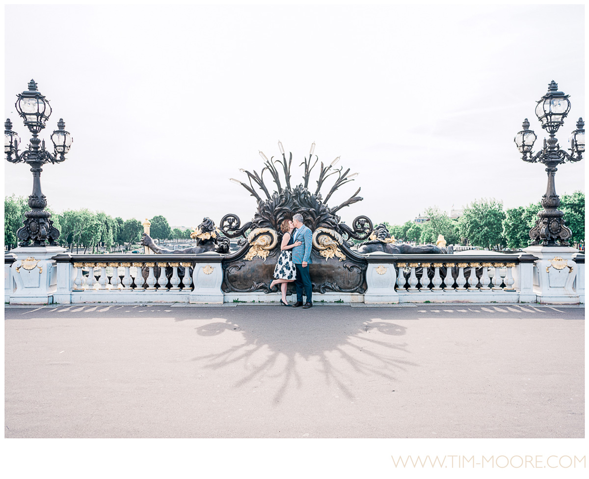 Paris photographer Tim Moore - Jen and Phil celebrating their monthiversary (yes a monthly anniversary :D) with a fantastic photo shoot in Paris on the Alexandre III bridge