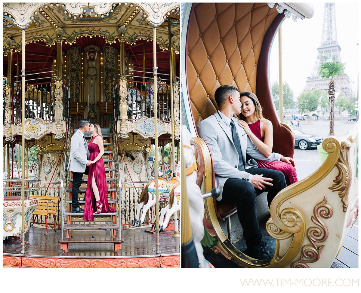 Paris-photographer-engagement-eiffel-tower-carrousel — Paris