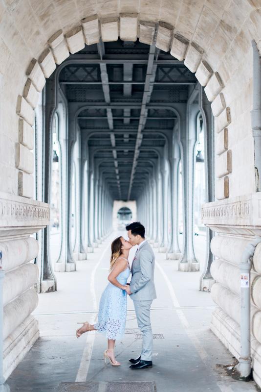 paris photographer - engagement photo shoot on a parisian bridge