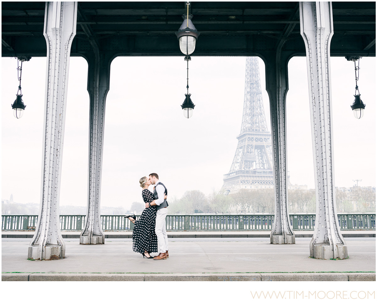 Paris Photographer - wedding photographers celebrating love in Paris with a photo shoot