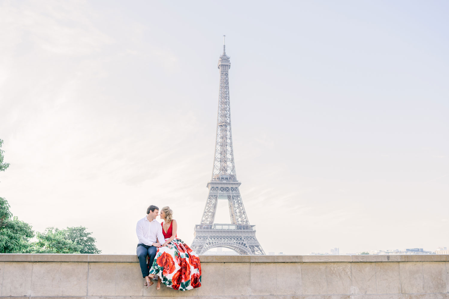 Paris Photographer Tim Moore with our beautiful couple celebrating their wedding anniversary during their photo session in Paris.