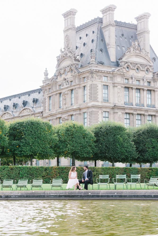 Paris Photographer - Couple at the Tuileries Gardens
