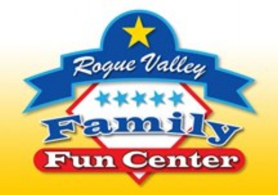 ROGUE VALLEY FAMILY FUN CENTER - What to do in Southern Oregon- Things to do in Central Point on a Rainy Day with Kids