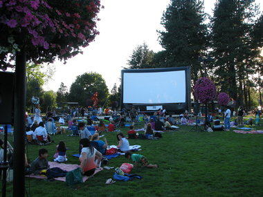 CANYONVILLE SUMMER MOVIES IN THE PARK - What to do in Southern Oregon - Things to do - Events - Kid-Friendly