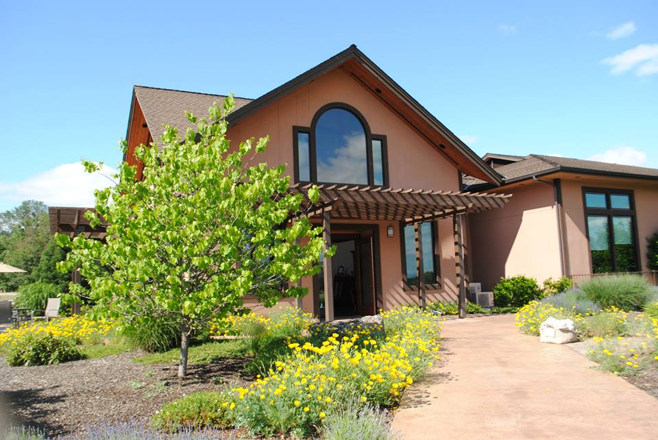 ROAM THE ROGUE - Seven Wineries, One Day - What to do in Southern Oregon - Things to do - Wine Tasting  - Upper Rogue Wine Trail - Folin Cellars