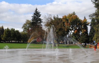 HAWTHORNE PARK - What to do in Southern Oregon - Spray Parks - Things to do with Kids - Medford