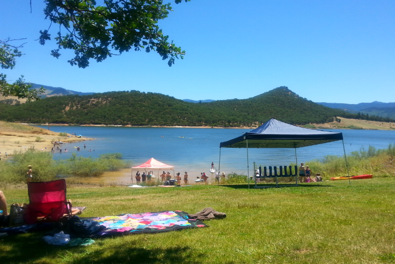 EMIGRANT LAKE - Waterslide - Paddleboarding - What to do in Southern Oregon - Things to do - Camping - Summer Fun - Kid-Friendly