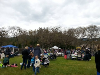 TROON VINEYARD EASTER - Grants Pass - Applegate - What to do in Southern Oregon - Things to do - Events - Wineries - Kid-Friendly