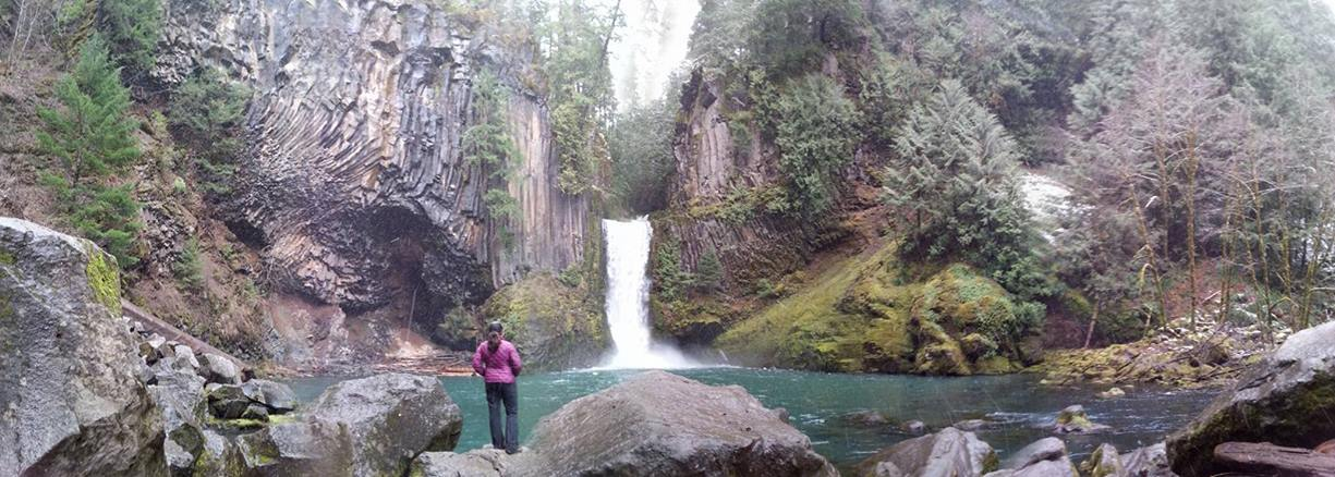 TOKETEE FALLS - What to do in Southern Oregon - Waterfalls - Hiking - Kids - Outdoor Adventures