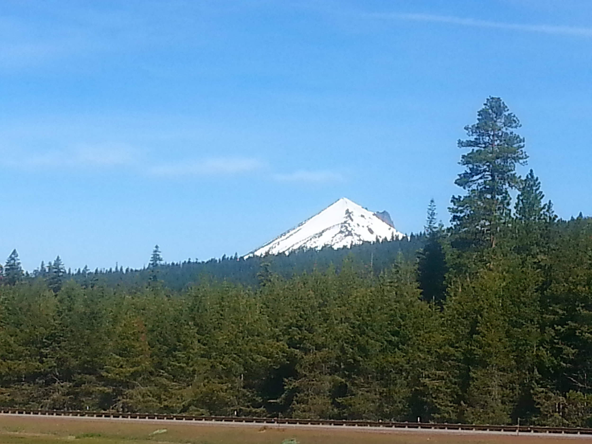 MT SHASTA - LAVA BEDS NATIONAL MONUMENT - What to do in Southern Oregon- Things to do - Hiking - Caves - Kids