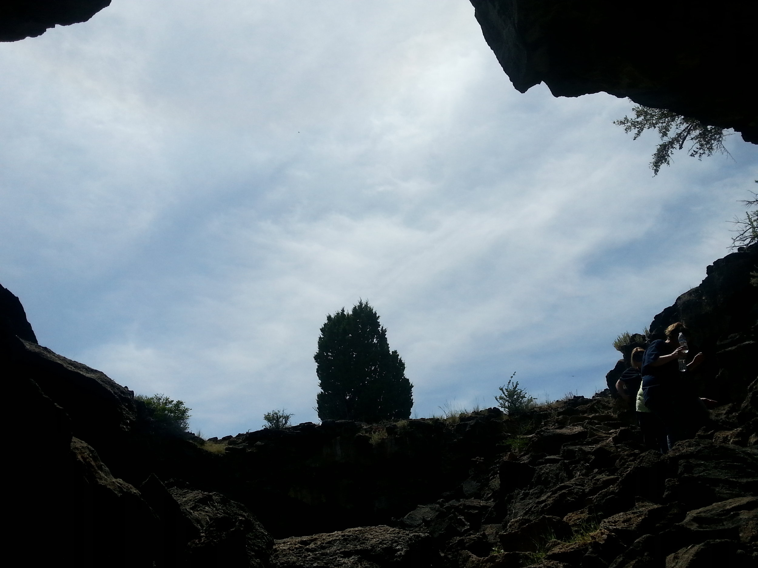 LAVA BEDS NATIONAL MONUMENT - What to do in Southern Oregon- Things to do - Hiking - Caves - Kids - Junior Rangers