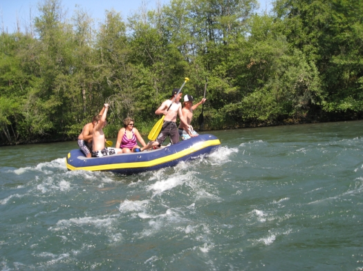ROGUE RIVER - 17 SOUTHERN OREGON ADVENTURES YOU DO NOT WANT TO MISS - What to do in Southern Oregon - Kids
